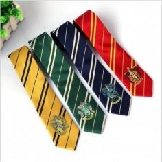 cravatta con logo