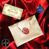 💡 Idea regalo 🎄  Kit lettera con pochette in pelle sintetica 👛 , spilla 'sigillo di Hogwarts' 🏰, biglietto binario 9 e 3 quarti 🛤, collana con ciondolo 'Always' 💙  www.alwayswands.com 🛒 #harrypotter #hogwarts #wand  #handmade #wood #magic  #gryffindor #Slytherin #ravenclaw #hufflepuff #alwayswands