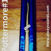 ▶️ Una bacchetta del tipo pottermore dalle sfumature chiare, indovinate da che legno è composta 🌳 scrivetelo nei commenti! ⚡ ➡️ Compra la tua bacchetta Pottermore qui : https://alwayswands.com/bacchette/44-534-pottermore-series.html#/137-casata-grifondoro/150-incisione-nessuna  #harrypotter #bacchettemagiche #wood #handmade #madeinitaly #grifondoro #serpeverde #corvonero #tassorosso