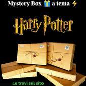 ⚡Quale miglior regalo per un Potterhead se non una mystery box a tema Harry Potter della propria casa preferita? 😍 ⚜️Le trovate in due versioni: BASIC da 29.90€ e PREMIUM da 59.90€. ➡️Selezionate la tipologia, scegliete la casa e il gioco è fatto!🎉 #potterhead #pottermore #harrypotter #mysterybox #alwayswands #regalidinatale #hogwarts #magic #bacchette #grifondoro #serpeverde #corvonero #tassorosso